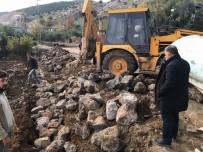 BAŞPıNAR - Yol Kenarları Taş Duvarla Örülüyor