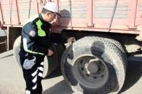 Yozgat'ta Trafik Ekipleri Kış Lastiği Denetimi Yaptı