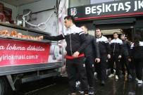AHMET NUR ÇEBİ - Beşiktaş Kulübü Şehitler İçin Lokma Dağıttı