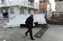 AKSAKAL - Bursa'da Lodos Çatıları Uçurdu, Araçlara Zarar Verdi