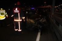 METROBÜS DURAĞI - E-5'Te Feci Kaza Açıklaması Araçtan Fırlayan Kişi Öldü, 4 Kişi De Yaralandı