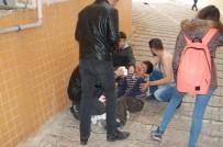 YARALI ÇOCUK - Kırılan Sundurmadan Aşağıya Düşen Çocuk Yaralandı