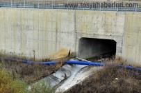 SULUCA - Tosya'da Köylü Vatandaşları Su Borusuna İsyan Etti