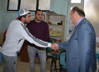 Başkan Özakcan, Esnafın Sorunlarını Dinledi