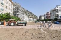 KONYAALTI BELEDİYESİ - Konyaaltı Belediyesi'nden Yeşil Alan Çalışmaları
