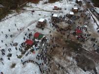KUZEY YILDIZI - Öğrenciler Soğuğa Aldırmadan Horon Tepti