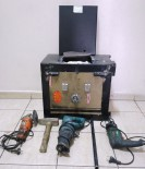 Suriyeli Hırsız Çaldığı Çelik Kasayla Birlikte Yakalandı