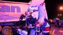 ORHANLı - TEM'de Korkunç Kaza Açıklaması 1'İ Ağır 3 Yaralı