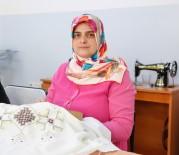 BEYİN TÜMÖRÜ - Tümörle Hayatı Kararan Kadın Dikiş Nakış Kursu İle Terapi Görüyor