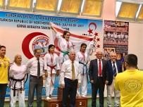 KUZEY KIBRIS - Yakın Doğu Koleji Öğrencisi Kuzey Kıbrıs Türk Cumhuriyeti'ne Tekvando Avrupa Şampiyonluğu Getirdi