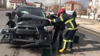 NAKKAŞ - Aksaray'da Otomobiller Çarpıştı Açıklaması 3 Yaralı