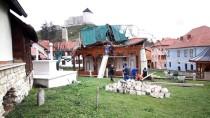 SARAYBOSNA - Bosna Hersek'te Kuvvetli Rüzgar Hayatı Olumsuz Etkiledi