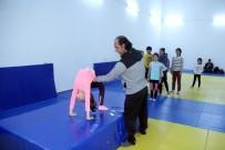 YAZ OKULLARI - Edremit'in Gençleri Boulder Ve Squash İle Tanıştı
