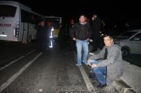 Havalimanı Çalışanlarını Taşıyan Servis Kaza Yaptı Açıklaması 8 Yaralı