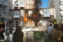 YANGINA MÜDAHALE - İzmir'de Kafede Korkutan Yangın