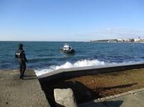 CADDEBOSTAN - Kadıköy Sahilde Ceset Bulundu