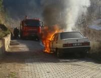 YANGINA MÜDAHALE - Kastamonu'da Seyir Halindeki Otomobil Yandı