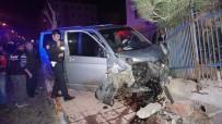 PAŞAYIĞIT - Keşan'da 2 Araç Çarpıştı Açıklaması 3 Yaralı