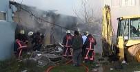 YANGINA MÜDAHALE - Koli Fabrikasında Yangın