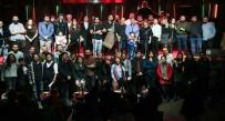 DOSTLUK KÖPRÜSÜ - Mülteci Müzisyenler Dünya Barışı İçin Sahne Aldı