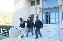 ELEKTRONİK ALET - Ortaca Polsi İşyeri Hırsızını Kaçamadan Yakaladı