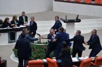 TBMM - Meclis'te kavga çıktı!
