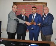 MUSTAFA AYDıN - Tes-İş Şube Başkanı Aydın, Duyarlı Şoförün Ödülünü Verdi