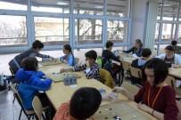 BAĞCıLAR BELEDIYESI - Üstün Yetenekli Çocuklar GO Oynayarak Kendilerini Geliştiriyorlar