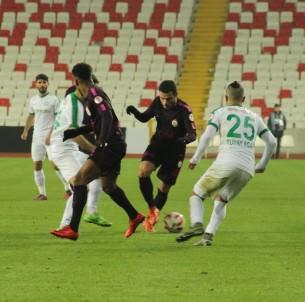 Galatasaray Sivas'ta turladı.