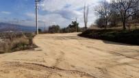 YAŞANABİLİR KENT - Çeşneli Mahallesinde Yol İyileştirme Çalışması