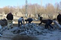 SINDELHÖYÜK - Develi Köylerinde Yol Ve Parke Çalışmaları Devam Ediyor