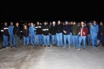 İŞ BIRAKMA EYLEMİ - Fabrika Çalışanları İş Bırakma Eylemi Başlattı