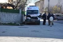 MEHTAP - Hasta Almaya Giden Ambulans Kamyonetle Çarpıştı