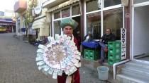 PADIŞAH - 'Kaftan' Giyip Piyango Bileti Satıyor