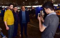 HAKAN TÜTÜNCÜ - Kepez Belediye Başkanı Tütüncü, Pazar Esnafıyla Buluştu