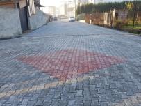 KURTKÖY - Kurtköy Ve Çayiçi Mahallelerinde Parke Yol Çalışması