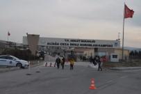 İNFAZ KORUMA - Mahkum Cezaevinde Yangın Çıkardı