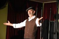 TURGAY TANÜLKÜ - Muğla E Tipi Cezaevinde 'Son Kuşlar' Sahneledi