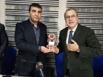 VAHDETTIN ÖZKAN - Murat Çetiner, Muş Vakfı'nda Öğrencilerle Bir Araya Geldi