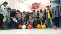 FEN BILGISI - Öğrenciler, Kendi İcatları Oyuncak Arabalarla Yarıştı