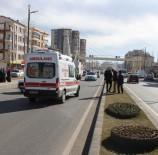 TRAFİK IŞIĞI - Otomobilin Çarptığı İlkokul Öğrencisinin Bacağı Kırıldı