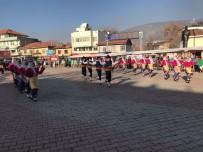 81 İliz Hepimiz Biriz Sergisi Bucak'ta Açıldı