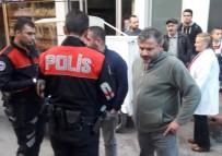 YUNUS TİMLERİ - Bıçakla Bir Kişiyi Yaraladı, Kendisini Telefonla Arayan Polislere Teslim Oldu