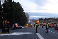 OKUL SERVİSİ - Fransa'da Okul Servisi İle Tren Çarpıştı Açıklaması 4 Ölü