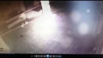 ULUDAĞ ÜNIVERSITESI - Güvenlik Kamerasını Fark Eden Hırsız Emekleyerek Kaçtı