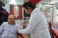 MADEN İŞÇİSİ - Kan Bankası Gibi Adam