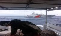 ALI ÖZCAN - Yunan Askerleri Türk Balıkçı Teknelerini Taciz Etti