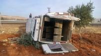 ZEYTINLI - Zeytin İşçilerini Taşıyan Minibüs Takla Attı Açıklaması 15 Yaralı