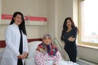 KADIN HASTALIKLARI - 52 Yaşındaki Kadının Karnından 3 Kiloluk Kitle Çıkartıldı