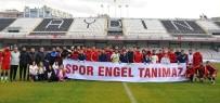 ZİHİNSEL ENGELLİ ÇOCUKLAR - Aydınspor 1923'Lü Futbolcular Engelli Çocuklarla Maç Yaptı